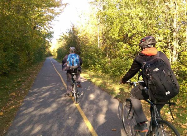 Bike ride in Ottawa with bike rentals and self-guided biking maps from Escape Tours Rentals