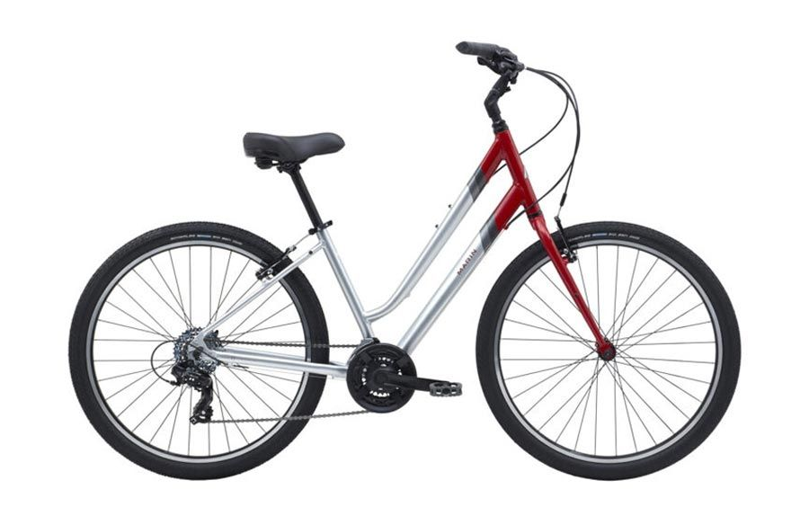 Comfortable upright city rental bikes available at Dows Lake Pavilion by Escape Bicycle Tours and Rentals in Ottawa